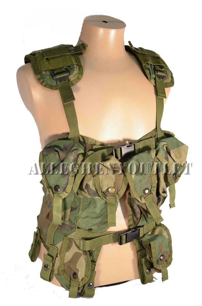 army military bearing Us army rangers from a company, 2nd battalion deuce gear, ta-50, or 782 gear whatever the nickname, load-bearing equipment is some of the most important kit carried by infantry especially among special operations troops and private military contractors.